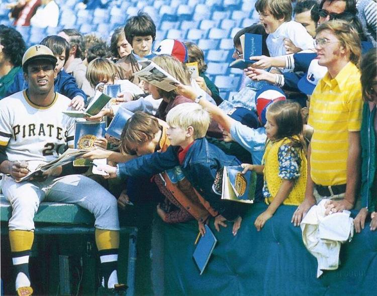 Photo from Jeff Polman. Posted on Facebook page for the book Big Hair & Plastic Grass: A Funky Ride Through Baseball in the 70s. Thanks to Paul Hodgson for bringing this photo to my attention.